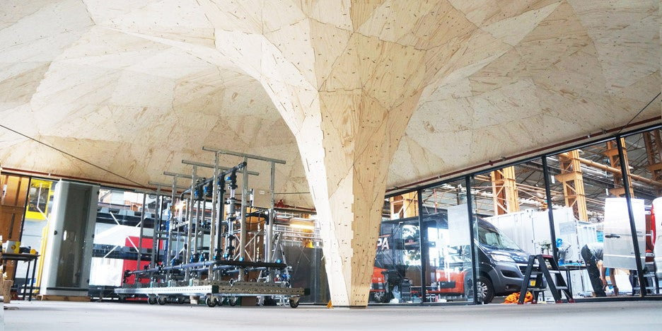 This Building's Swooping Curves Were Fabricated By a Robot