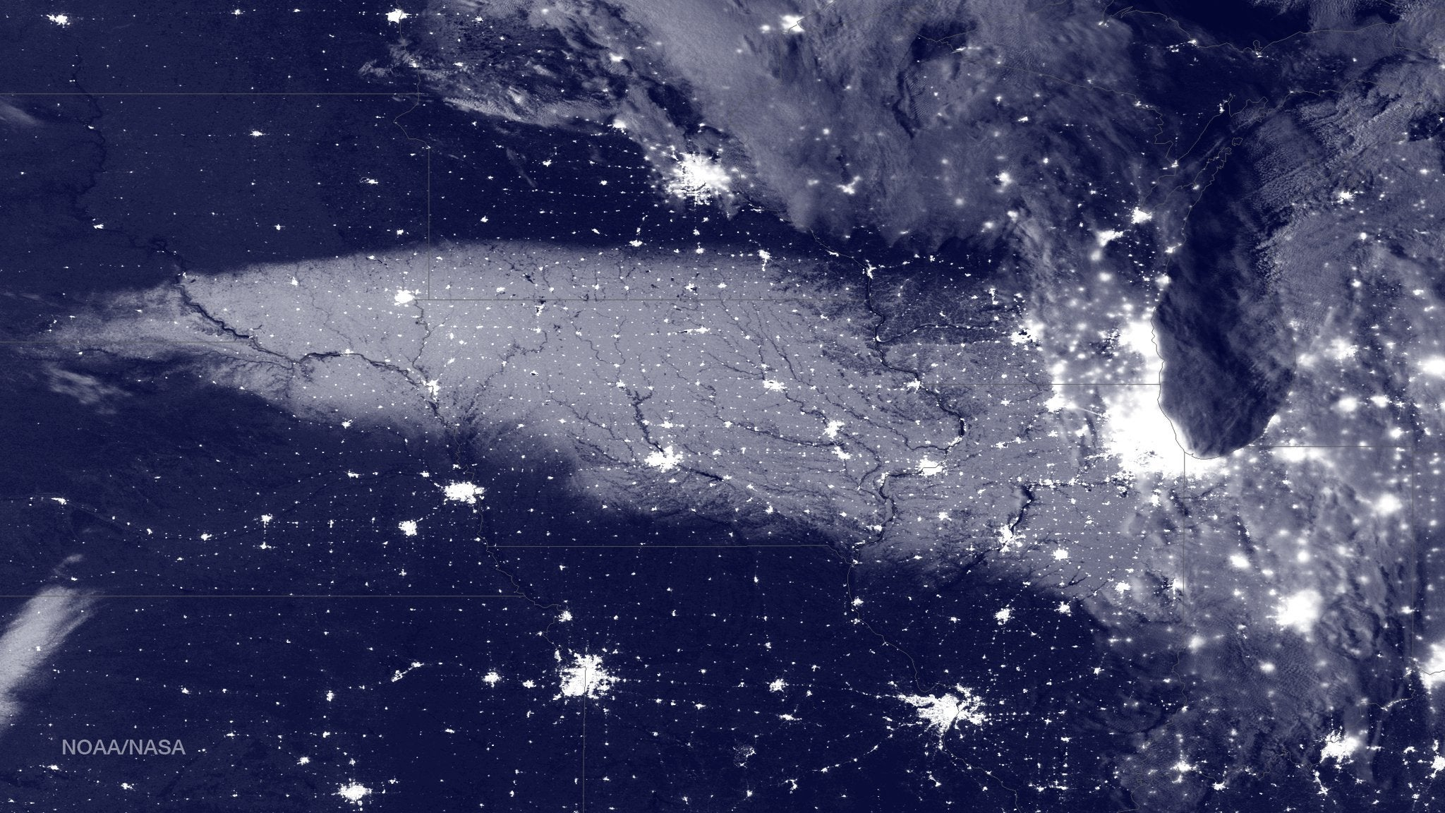 Here's What the Aftermath of a Snowstorm Looks Like To a Satellite