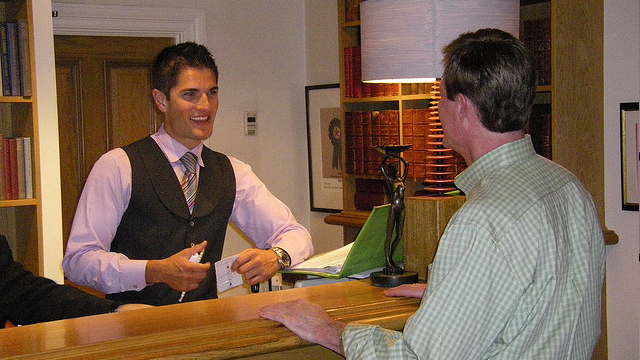 Make Sure You Don't Get The Worst Room With These Hotel Manager Tips