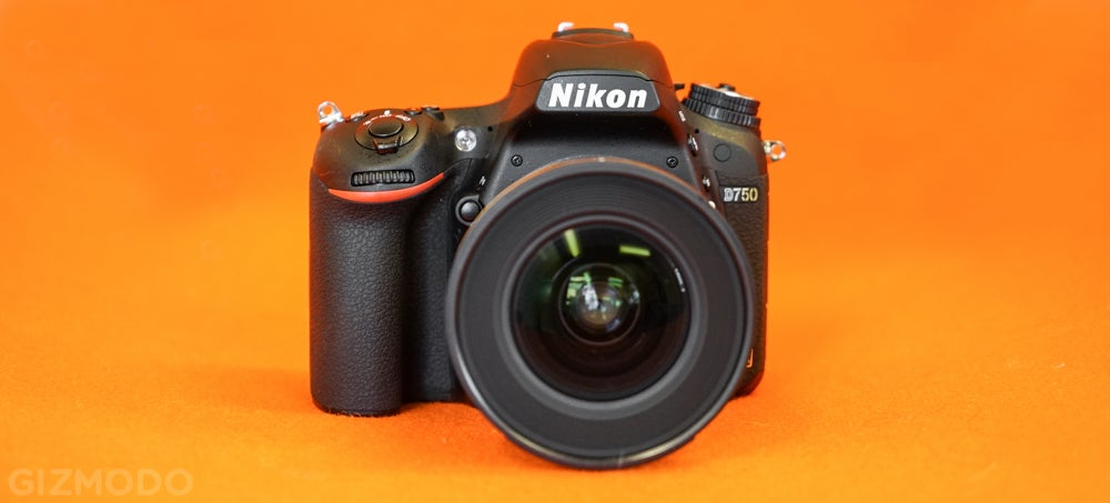 Nikon D750: Finally, a Top DSLR With a Screen That's Useful For Video