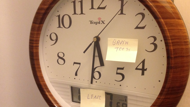 Keep Kids On Time With Post-Its and an Analogue Clock