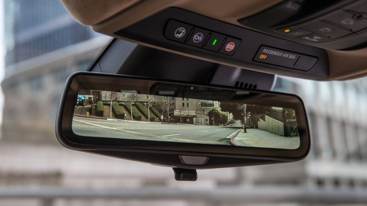 Cadillac Has A Tesla-Like Autopilot Competitor It Promises Is Definitely Safe