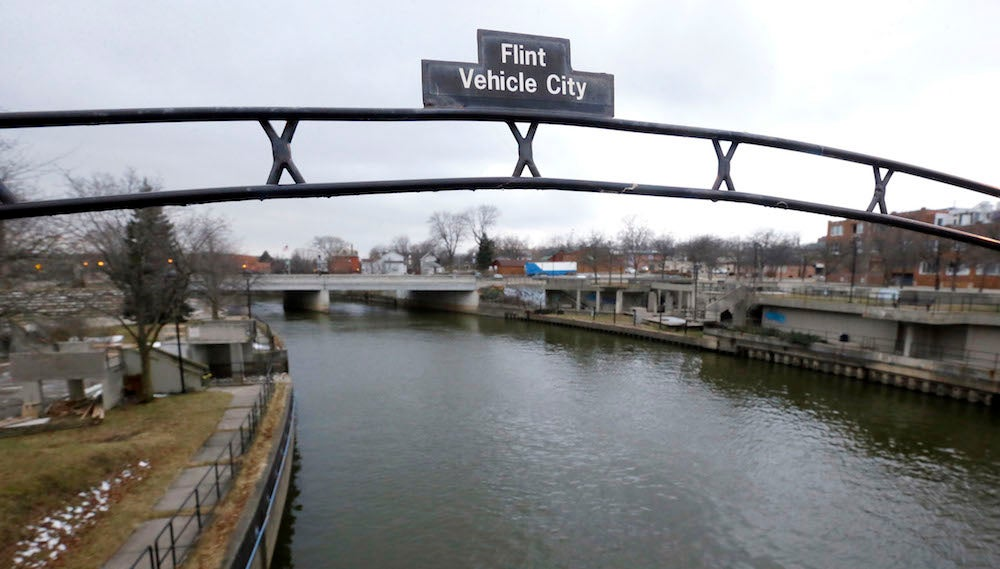 Flint Mayor Knew About Bad Water's Direct Connection To Legionnaires Disease Outbreak