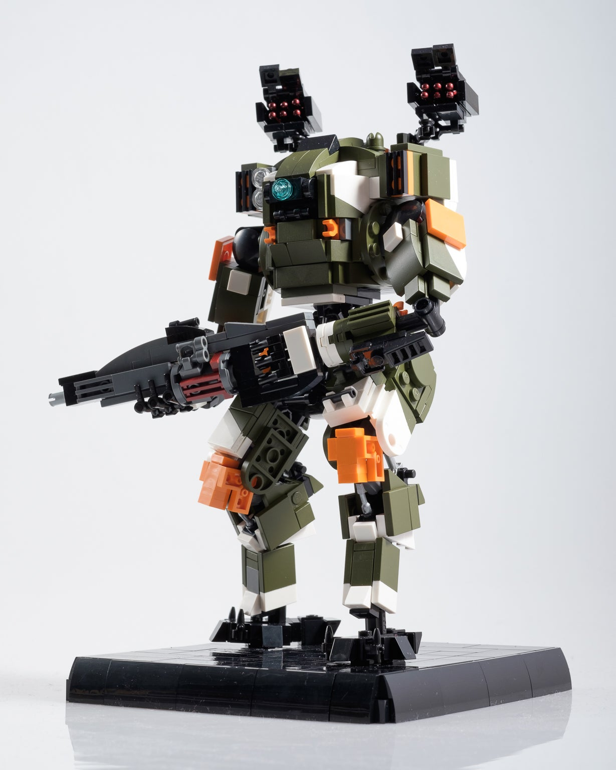 drone model kit with Custom Titanfall Lego Is Great on Lg 32 Inch Led Tv 32lf500b 2015 Model also Great Unclean One Greater Daemon Of Nurgle in addition Hammerpede in addition Sevastopol Station in addition Sci Fi Generator 257906773.