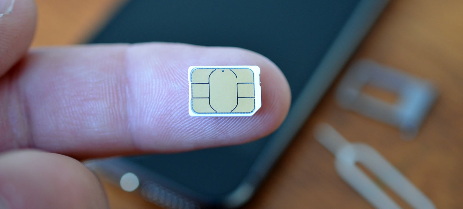 A Wearable SIM Could Let You Use One Number With Any Device
