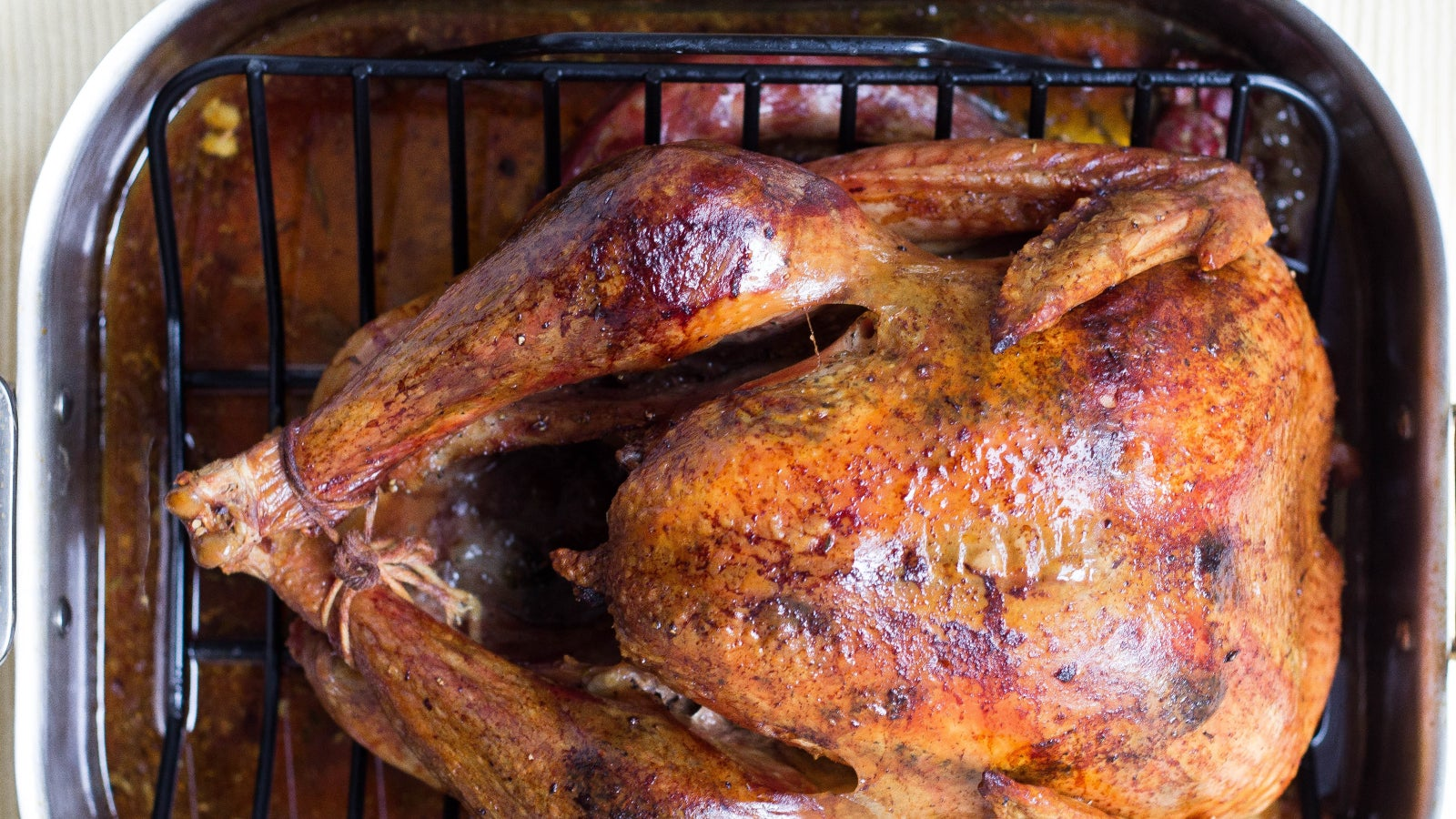 How To Pick The Right Carving Board For Your Turkey