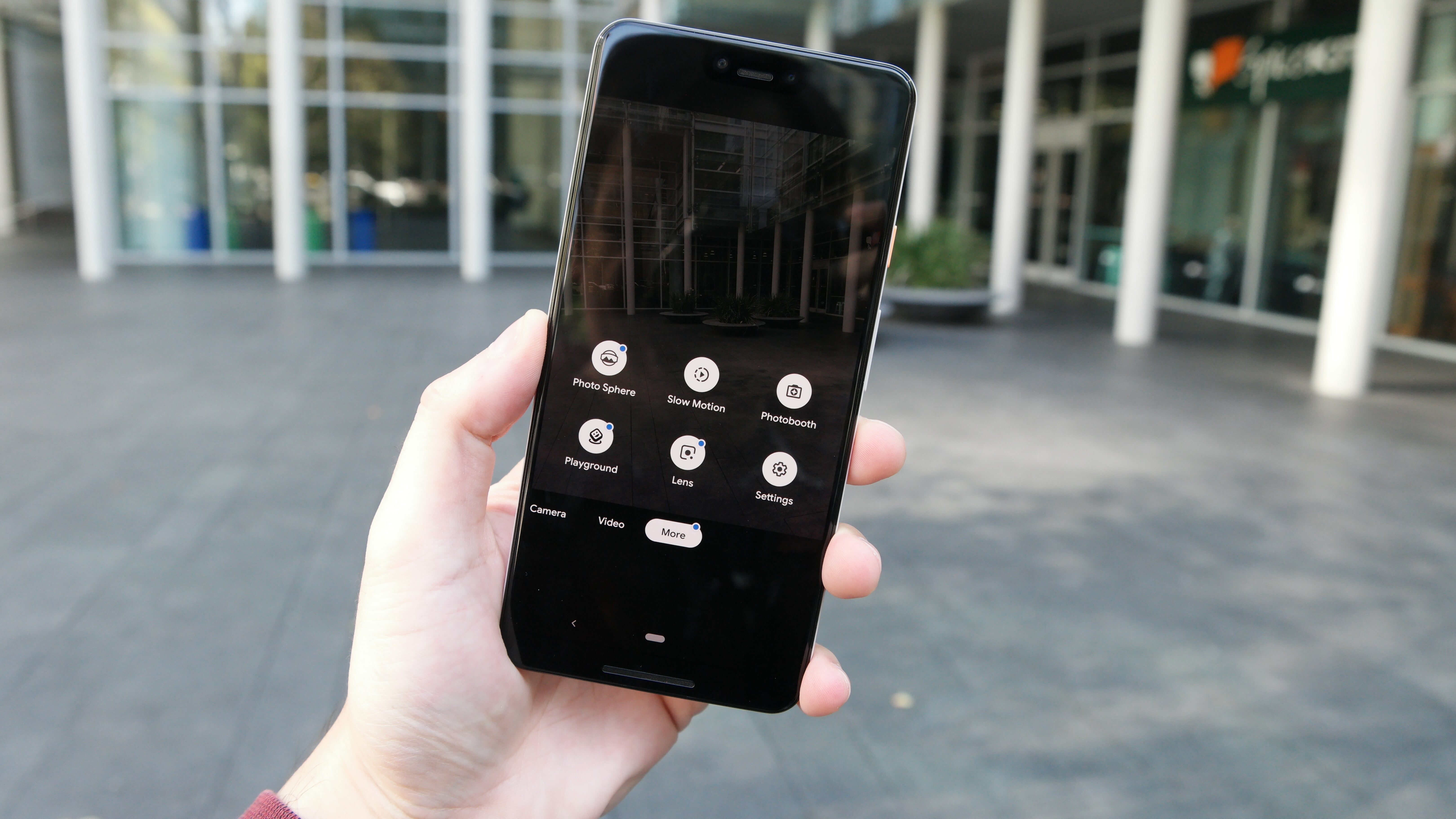 Pixel 3 Users Claim Their Text Messages Are Vanishing