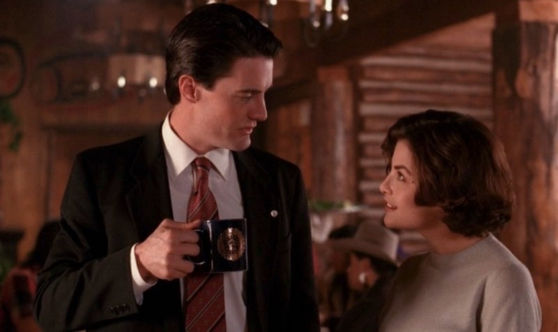 10 Things To Watch, Read, And Eat To Get Mentally Prepared For The NewTwin Peaks
