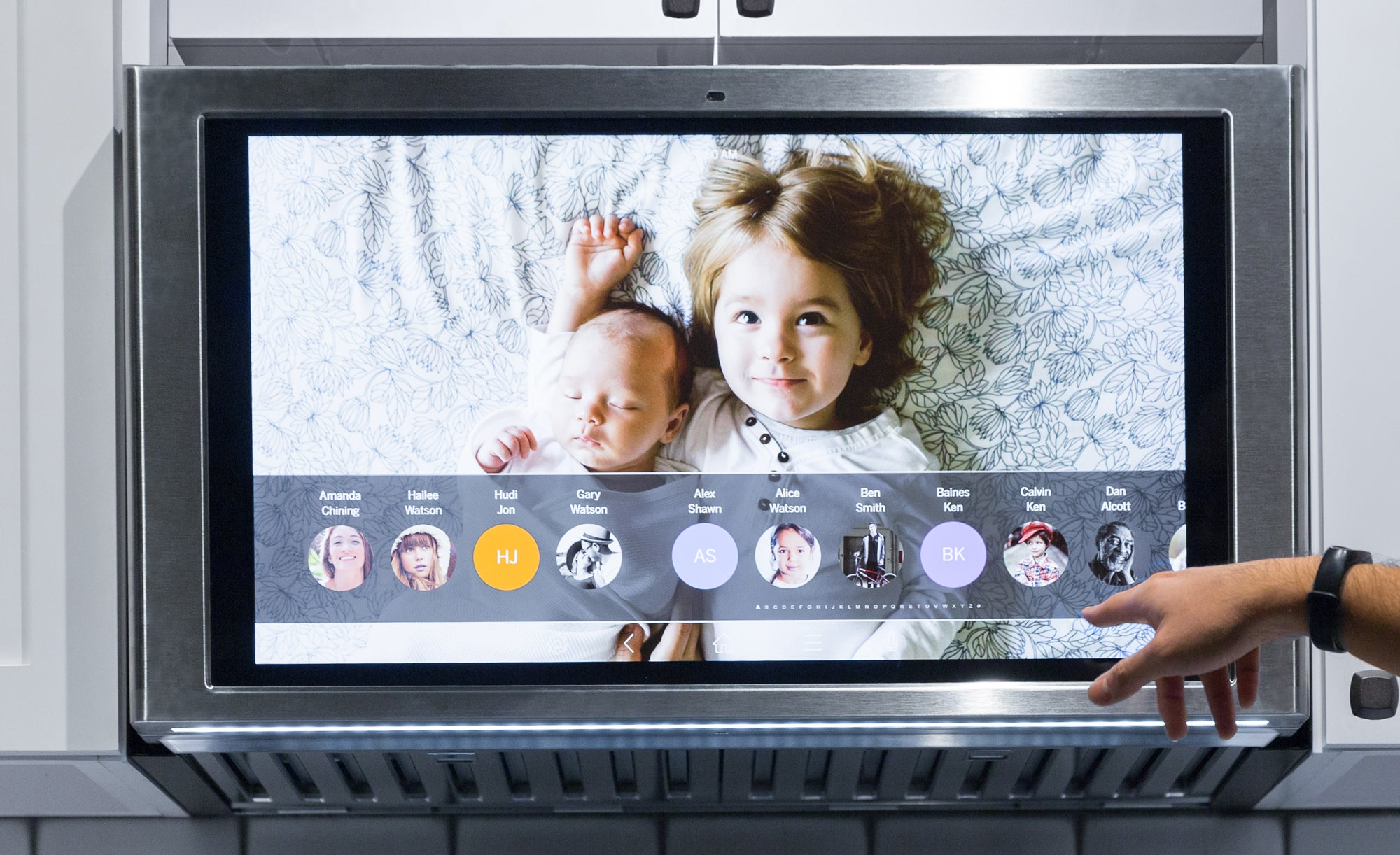 GE Wants To Hang A 27-inch Screen And A Camera Over Your Stove