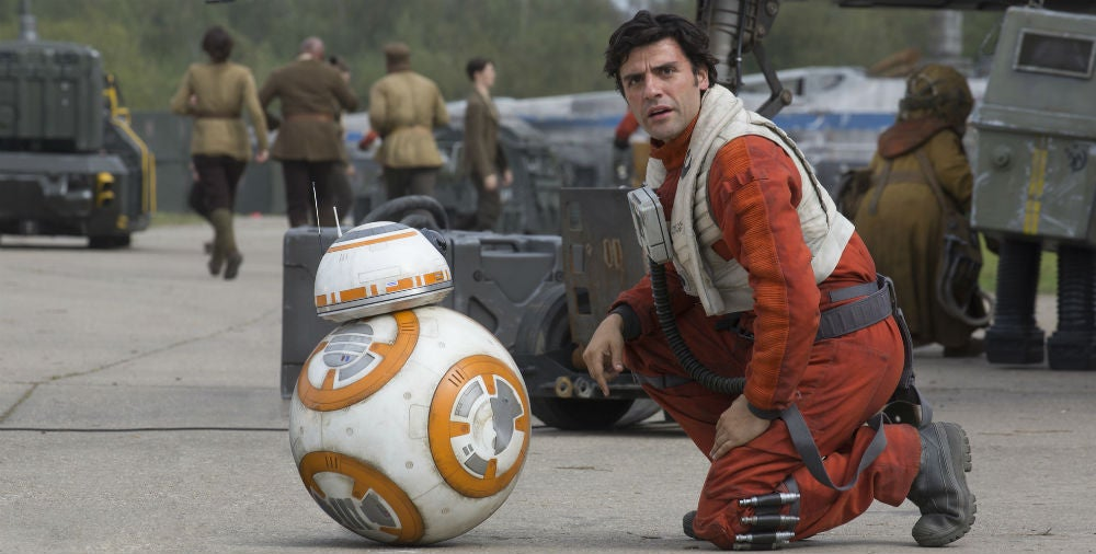 How Oscar Isaac Convinced J.J. Abrams Not To Kill Poe In Star Wars: The Force Awakens