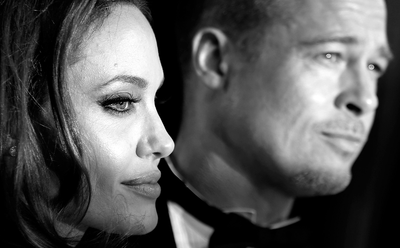 Possible Gizmodo Fan Angelina Jolie Is Divorcing Brad Pitt