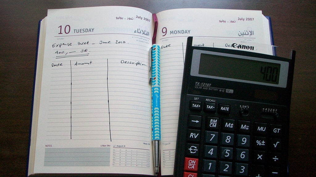 If You Want to Reduce Your Expenses, Start By Tracking Them