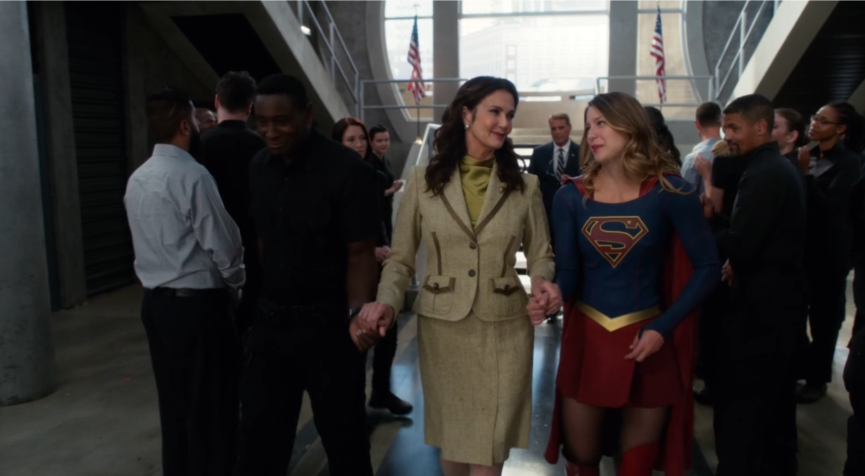 President Wonder Woman Guest Starred On A Gloriously Gay Supergirl