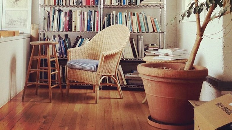 Turn Otherwise Wasted Apartment Space Into A Cosy Reading Nook