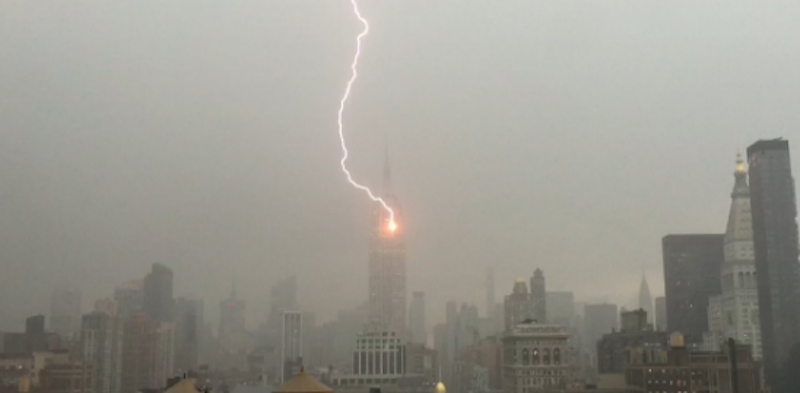This Is What It Looks Like When Lightning Strikes the Empire State Building
