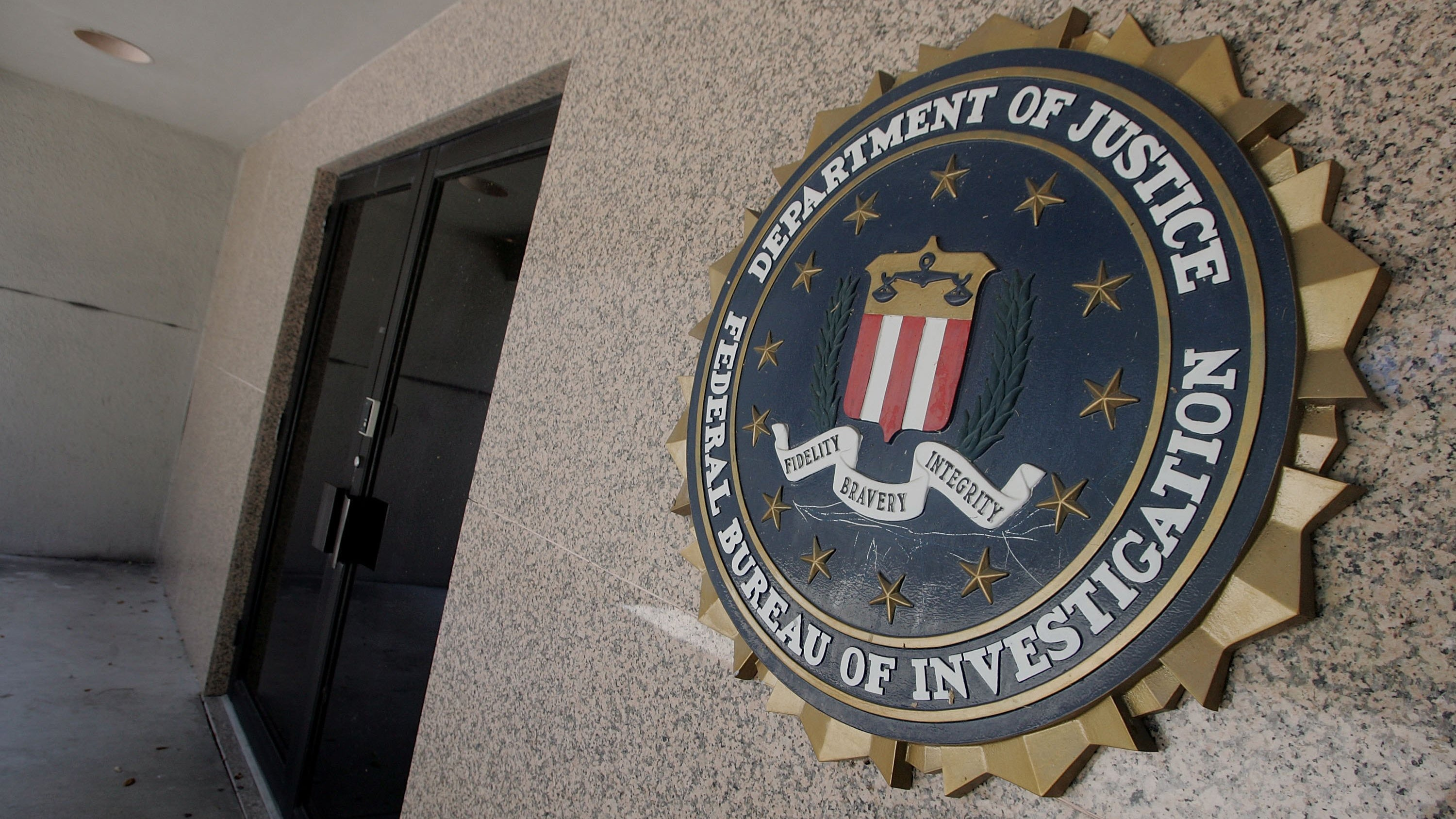 Child porn case dropped to prevent Federal Bureau of Investigation disclosure