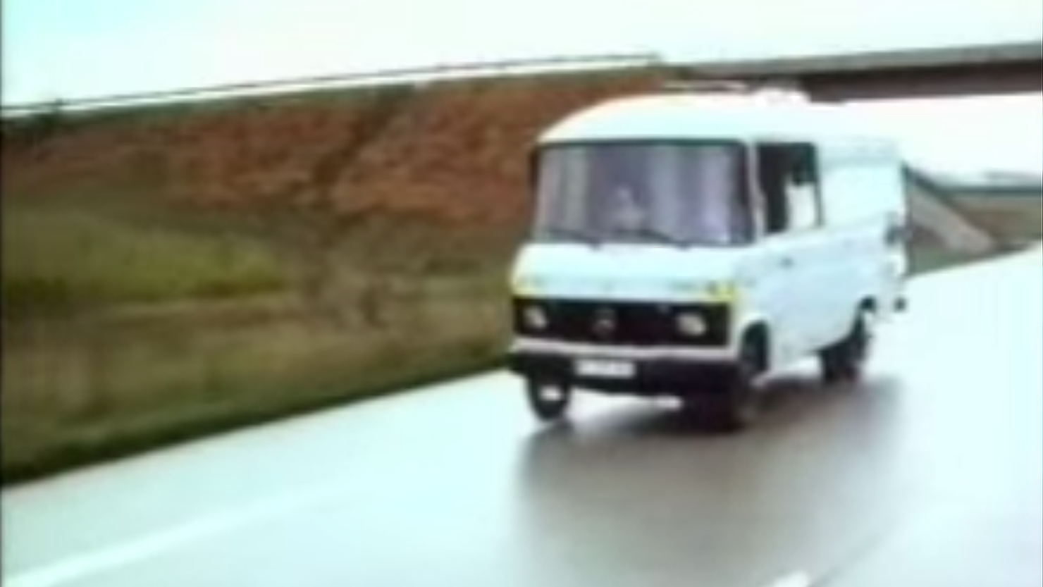 This Story Of A German Engineer Who Made An Autonomous Mercedes Van In 1986 Is Fascinating