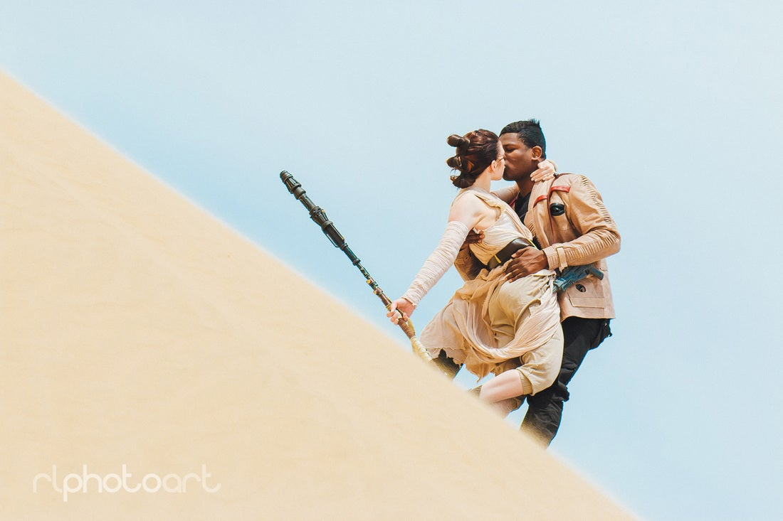 Cosplaying Finn & Rey Are A Perfect Star Wars Family