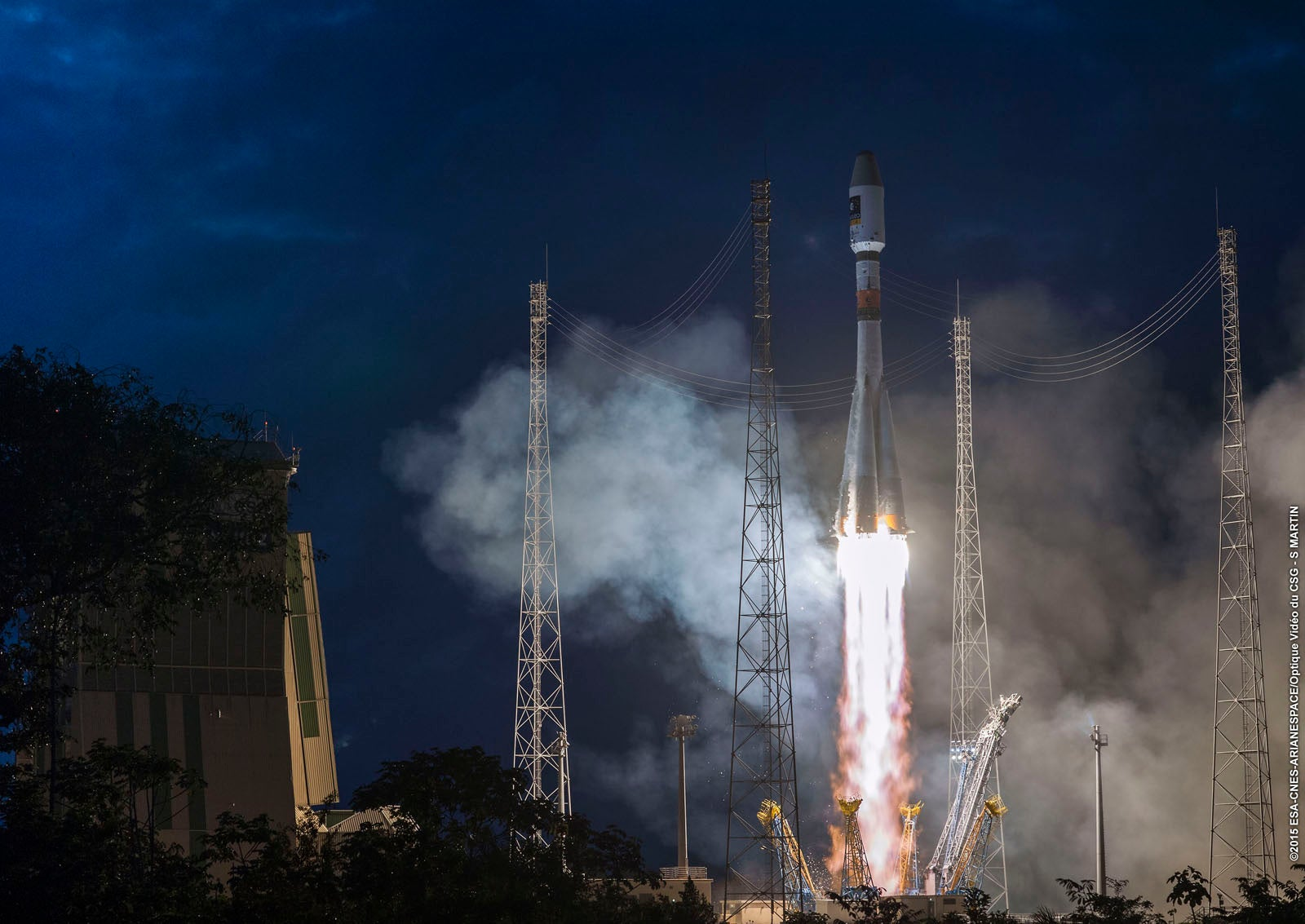 Check Out Three Amazing Rocket Launches That All Happened on One Day