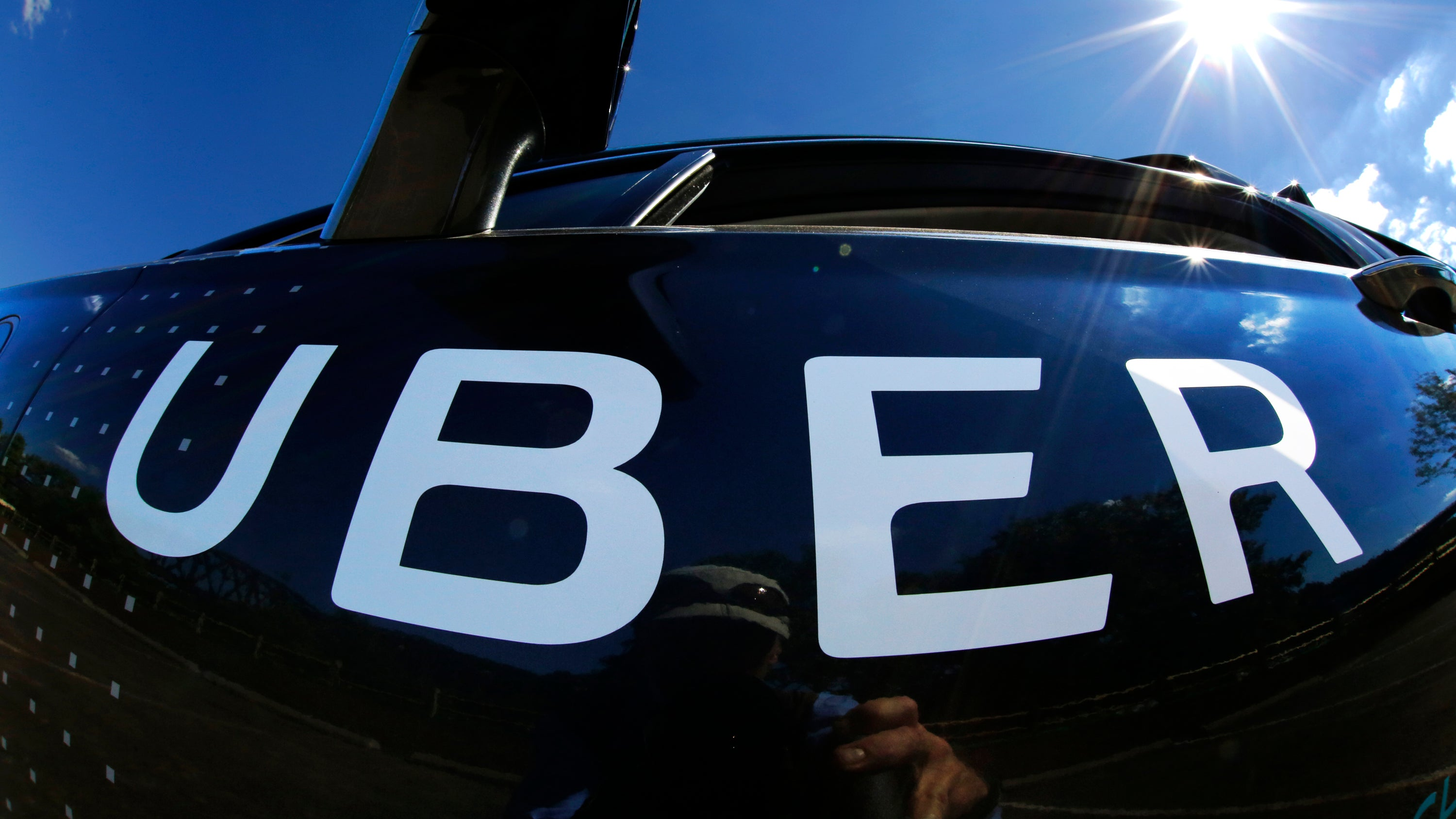 Uber Drivers In The US Are Now Selling Solar Panels During Rides