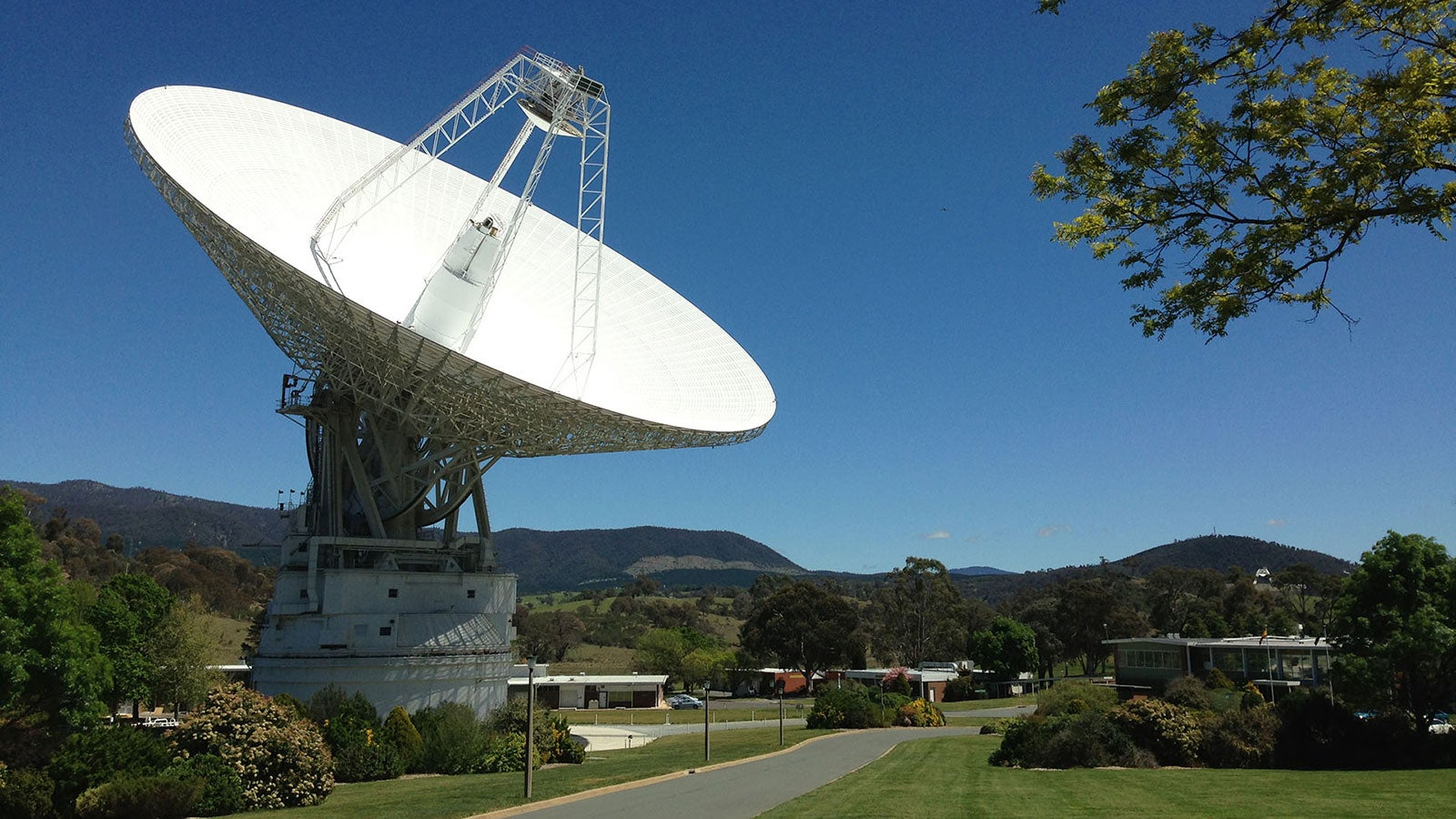 NASA Can't Contact Voyager 2 Until 2021, As Deep Space Antenna Gets Much-Needed Upgrades