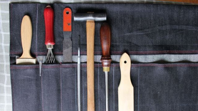 Carry Your Tools in this DIY Tool Roll