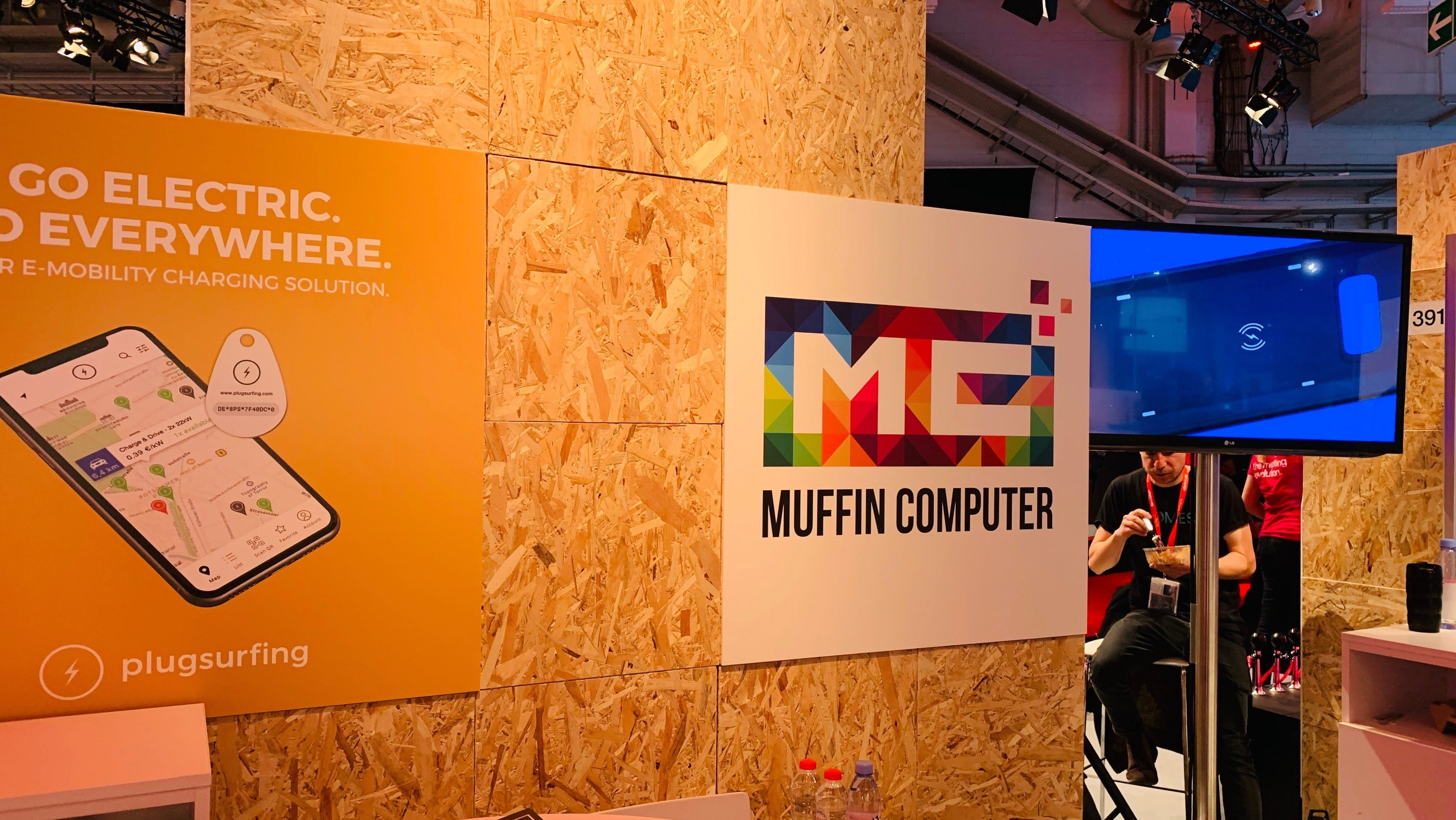 Russian Startup 'Muffin Computer' Wants To Keep Your Smartphone Cosy On Cold Days