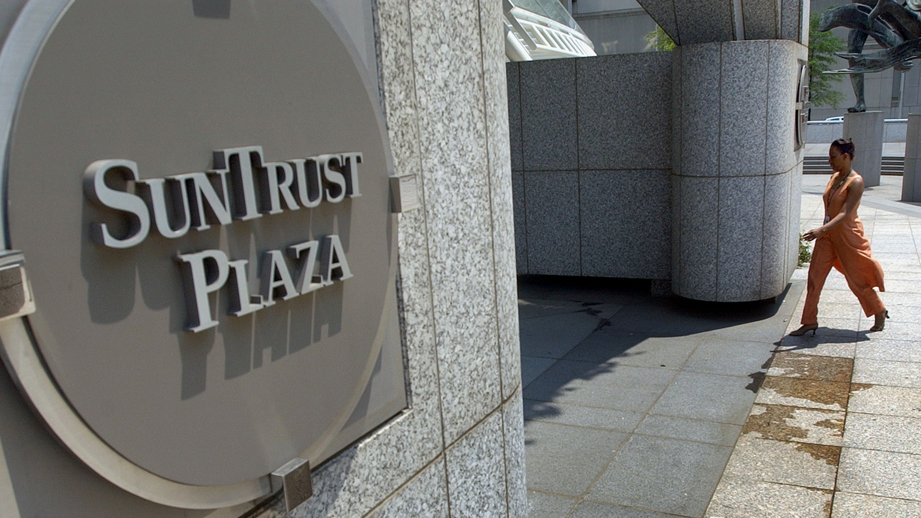 SunTrust Bank Says Employee May Have Stolen 1.5 Million Customers' Info And Given It To Criminals