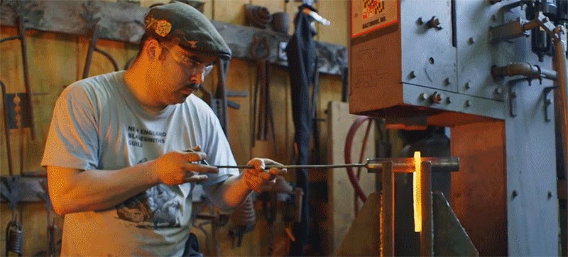 Blacksmiths Recreate Xena's Impossibly Dangerous Death Boomerang