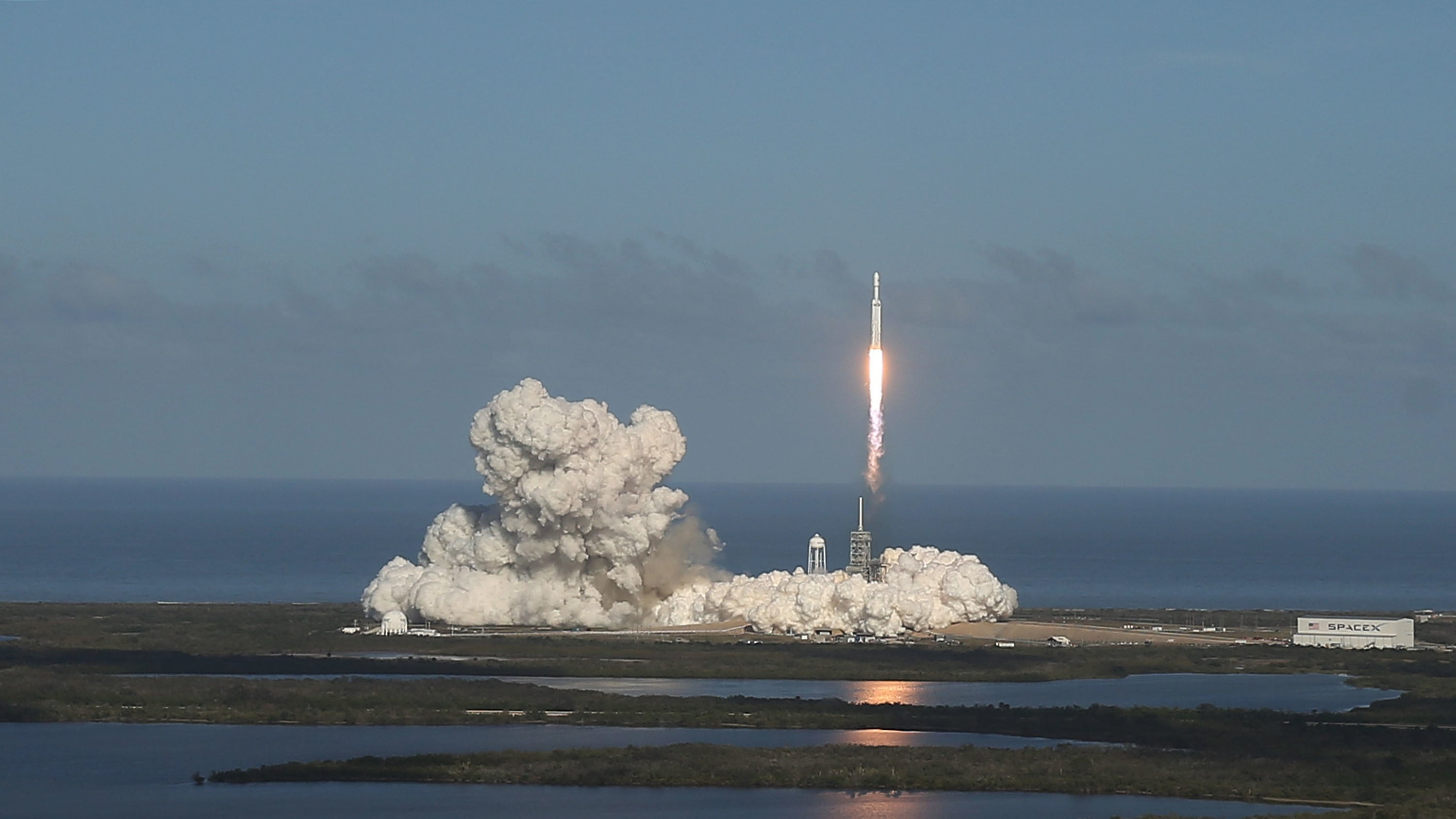 The FCC Just Gave SpaceX The Go-Ahead To Build A Space Internet