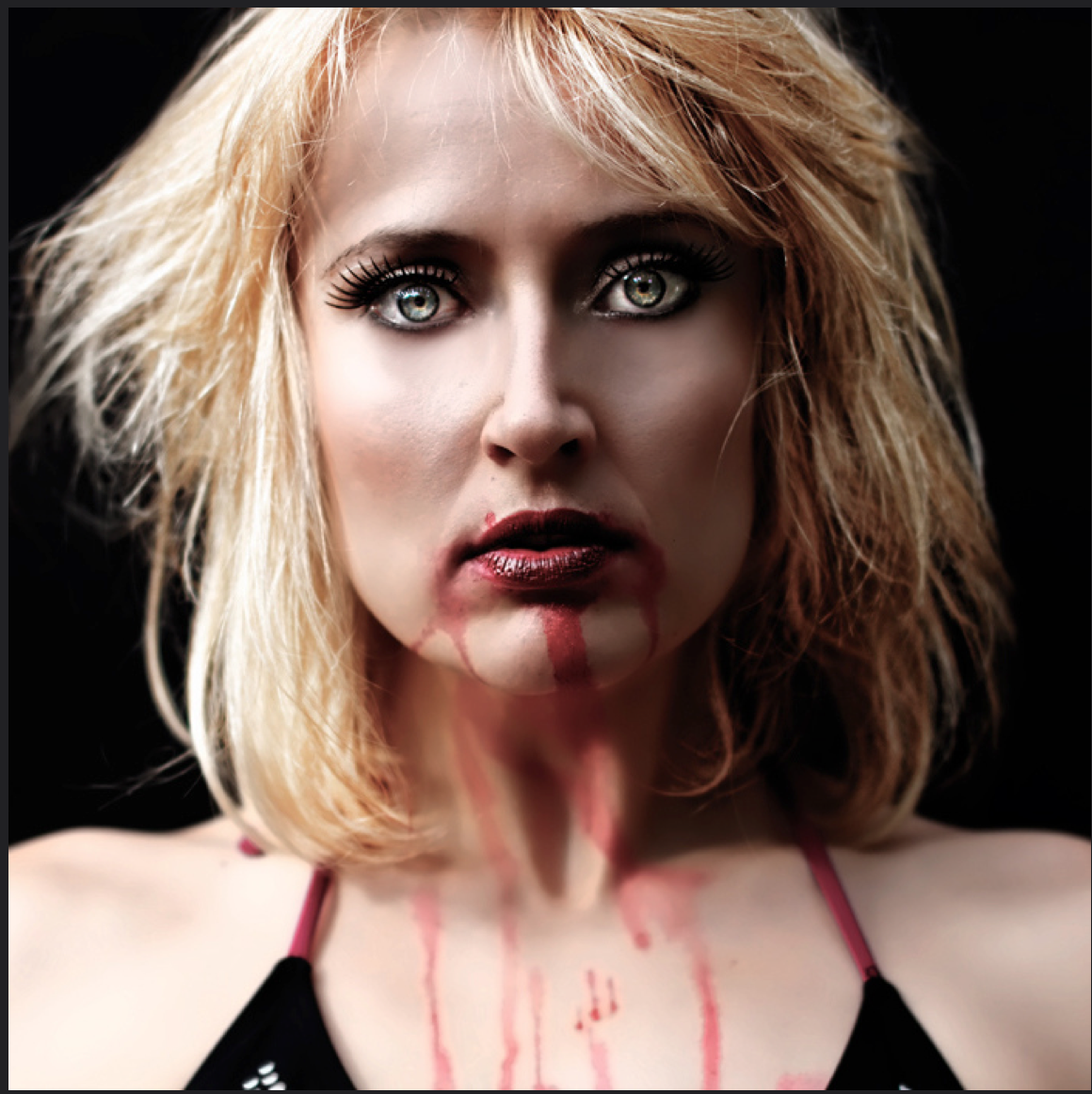 The disturbing horror portraits of Danielle Tunstall (NSFW)