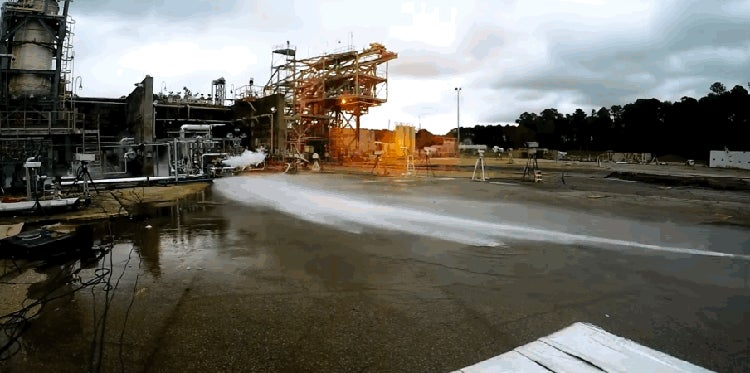 NASA's 3D-Printed Rocket Engine Spews Fire and 9,072kg of Thrust