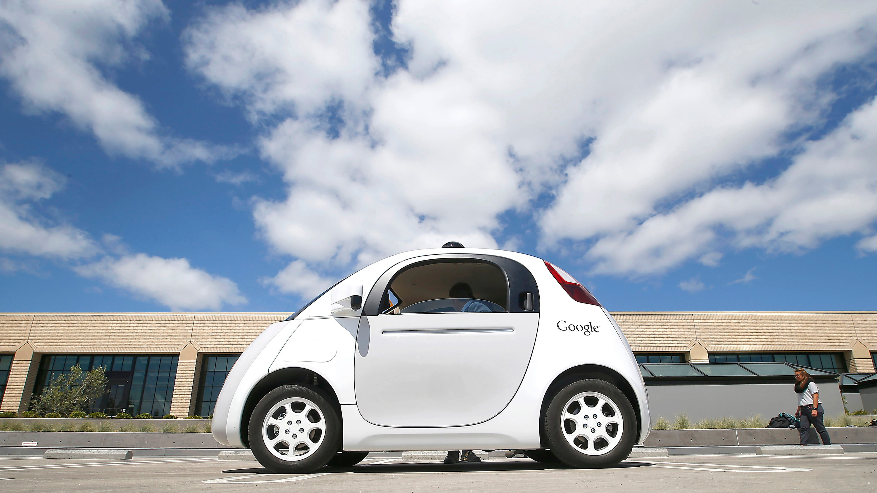 Google's Self-Driving Car Crash Sends Operator To Hospital