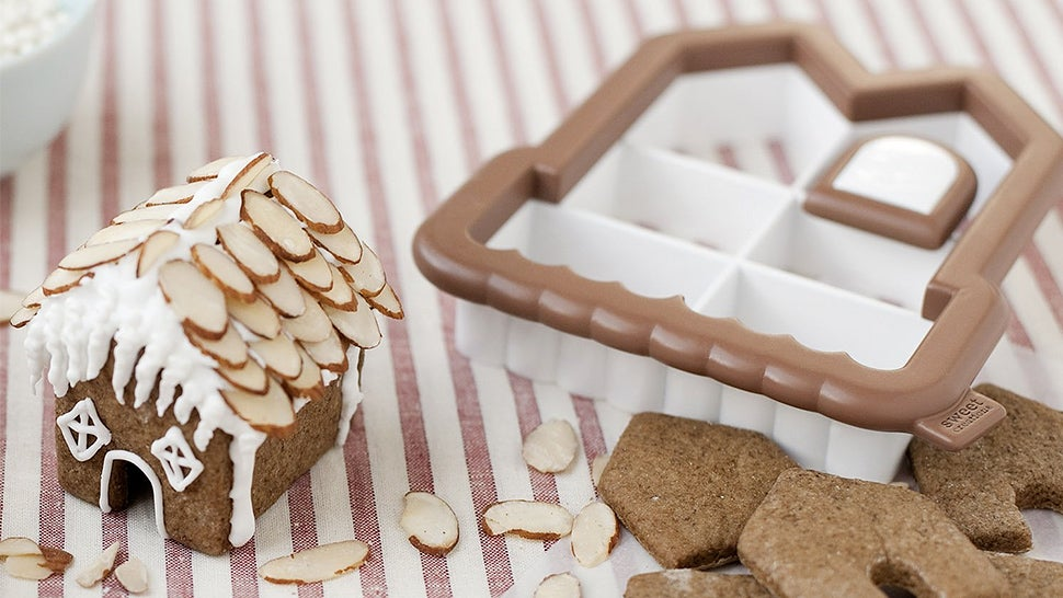 An All-in-One Cookie Cutter That Makes Bite-Size Gingerbread Houses