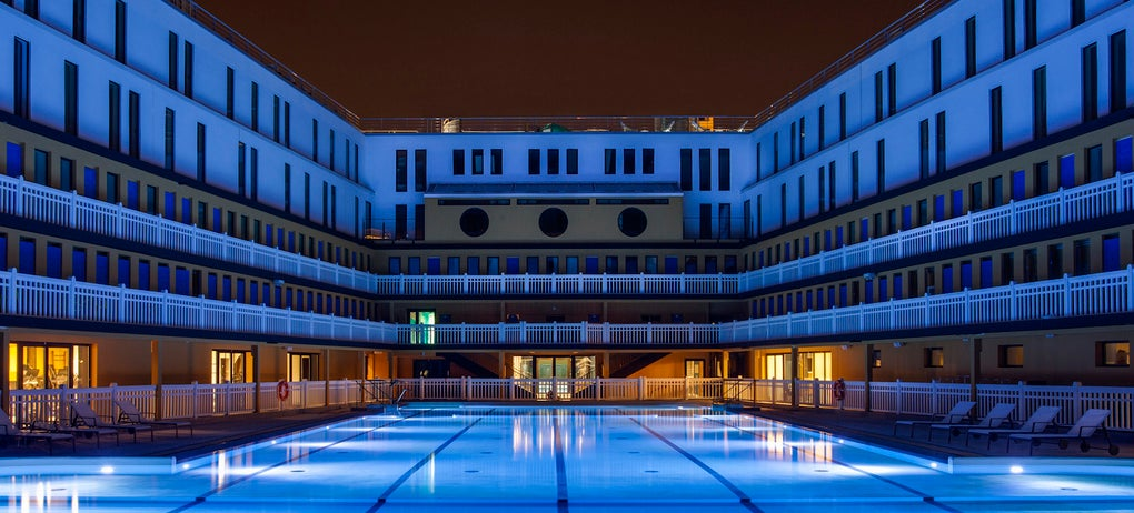 This Iconic Parisian Swimming Pool Is Reborn After 25 Years of Neglect