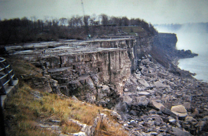 It's Suprisingly Easy to Turn Off Niagara Falls
