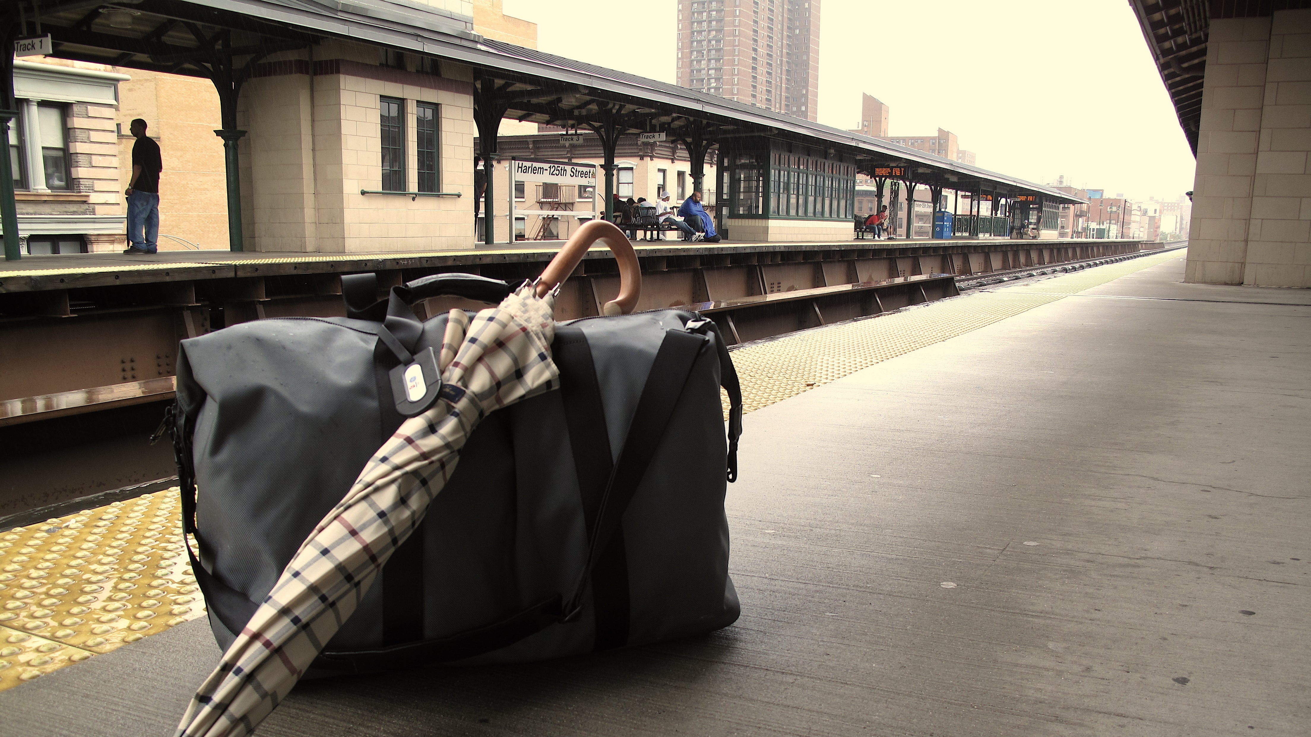 How To Stash Your Luggage For A Couple Of Hours When Travelling
