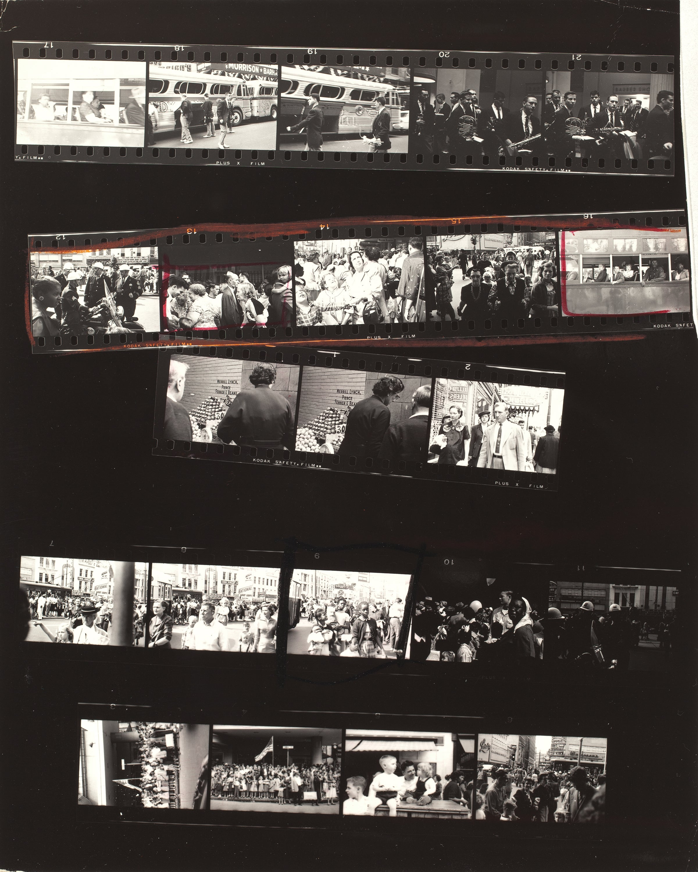 Sift Through Hundreds of Images by Legendary Photographer Robert Frank