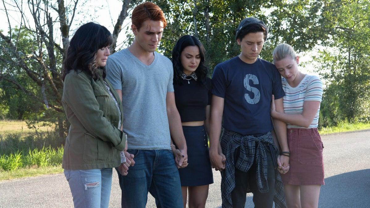 Riverdale Remembers Luke Perry In An Emotional Season Premiere