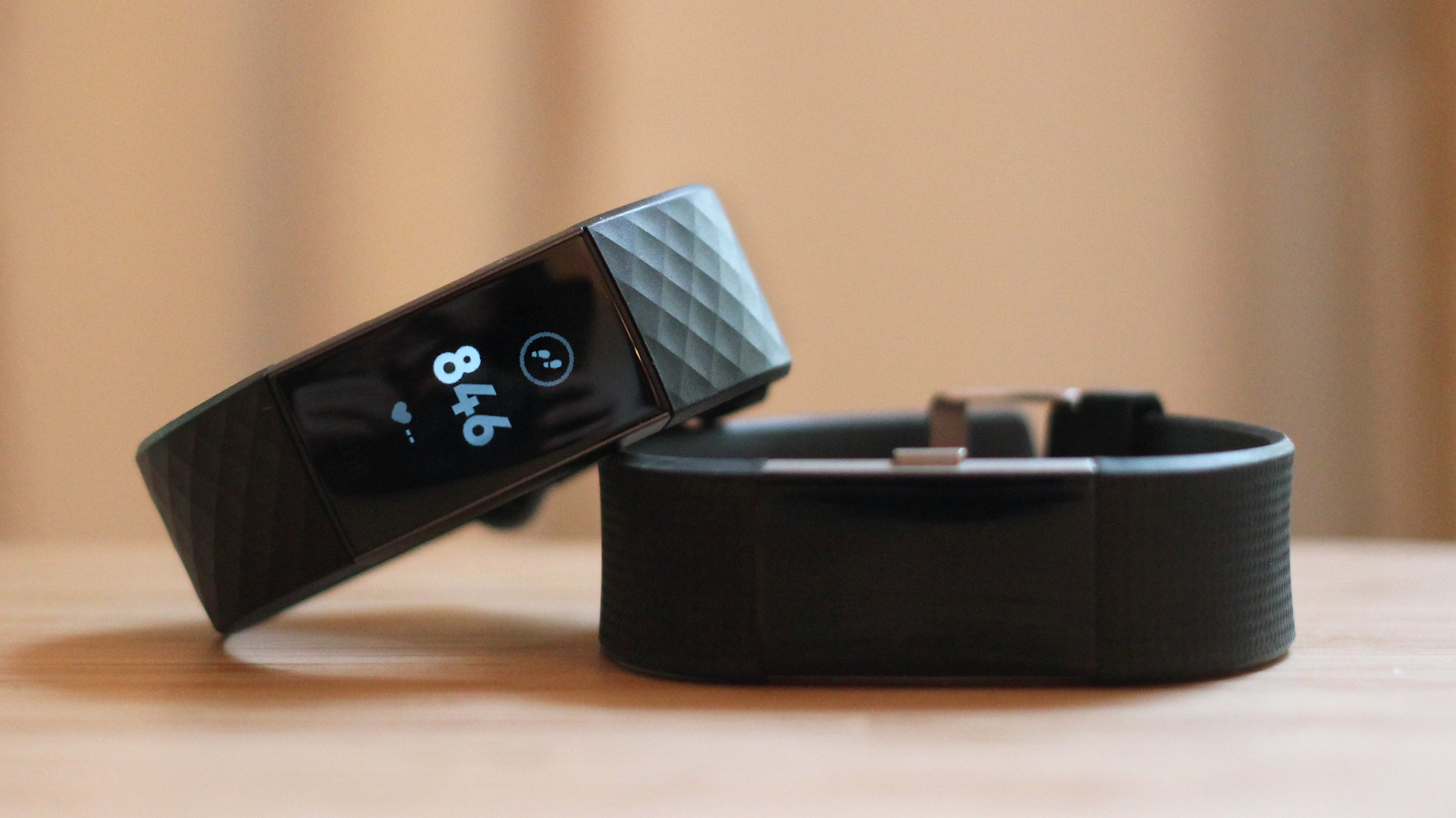 Fitbit's Charge 3 Perfects The Casual Fitness Tracker | Gizmodo