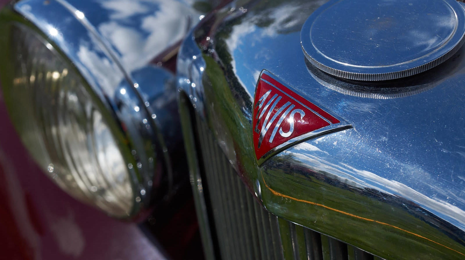 100 Years Ago This Company Made Up A Meaningless Name And Started Making Cutting-Edge Cars