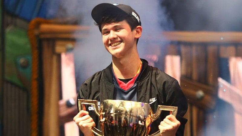 Fortnite's Teenage World Champ Swatted Live On Stream
