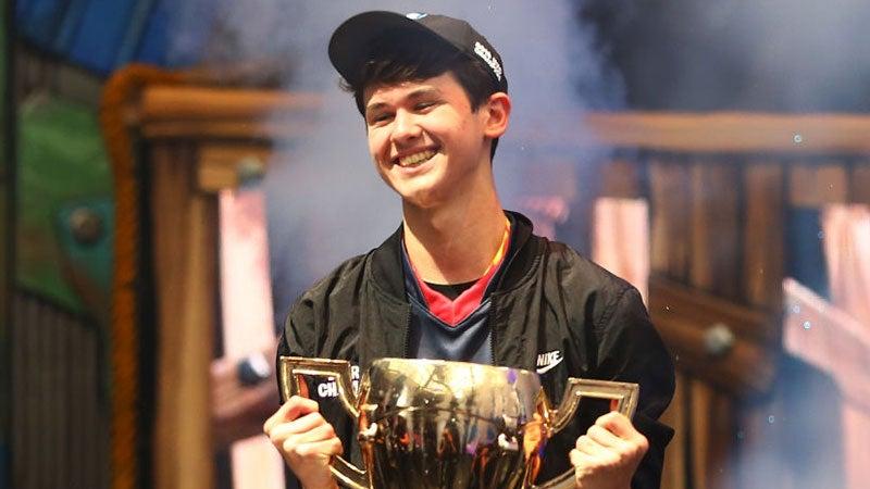 Fortnite's Teenage World Champ Swatted Live On Stream