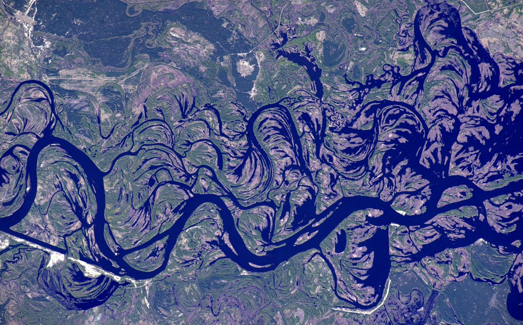 Ukraine's Dnieper River Is Like A Work of Art From Space