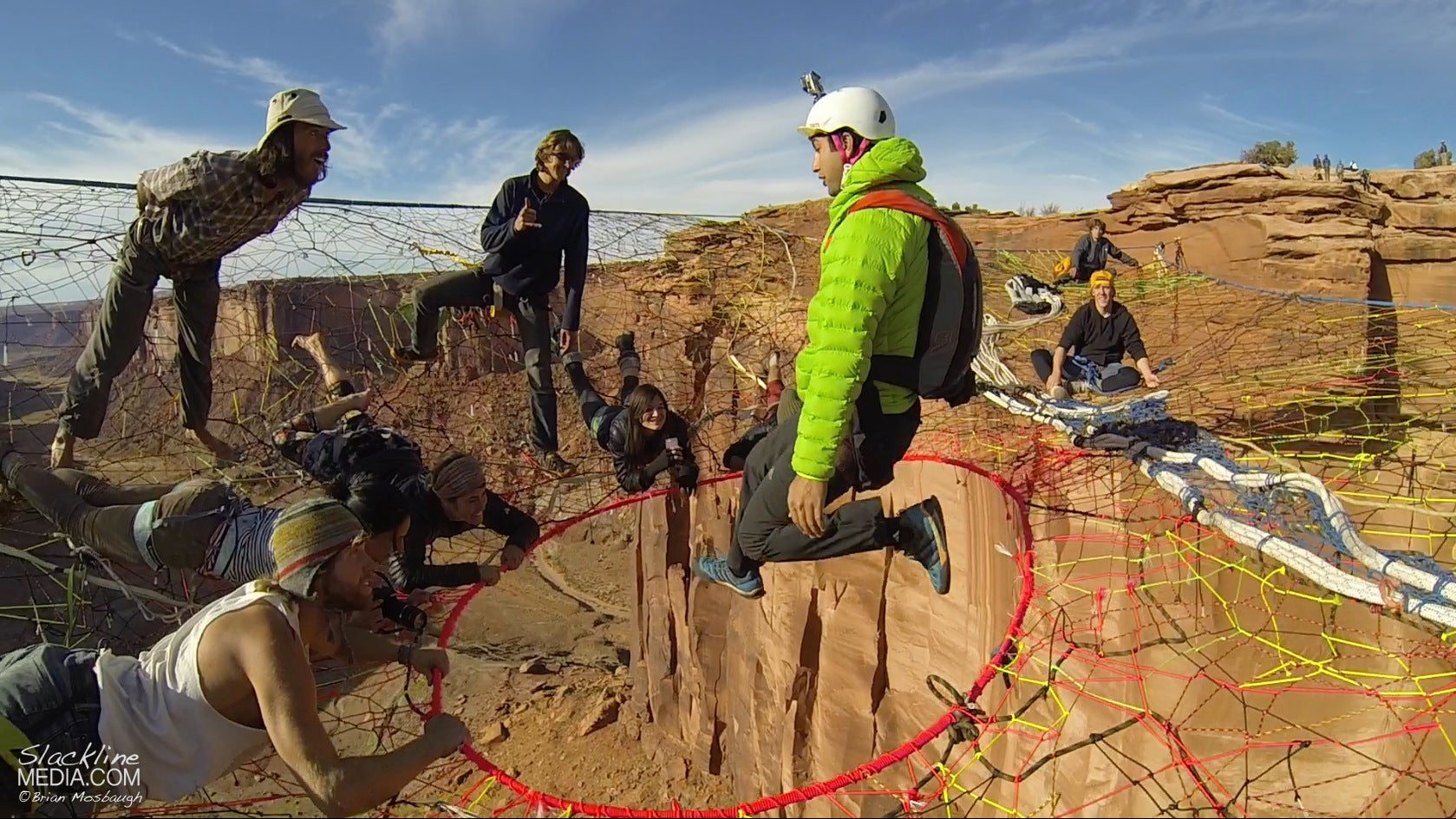 guys hang huge hammock in the middle of 120m canyon void gizmodo