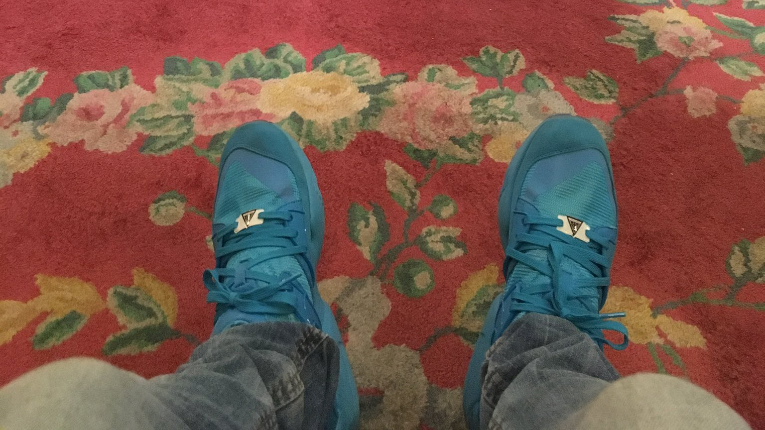 Rich VC Gets Kicked Out Of London's Ritz For Wearing Sneakers, Whining Ensues