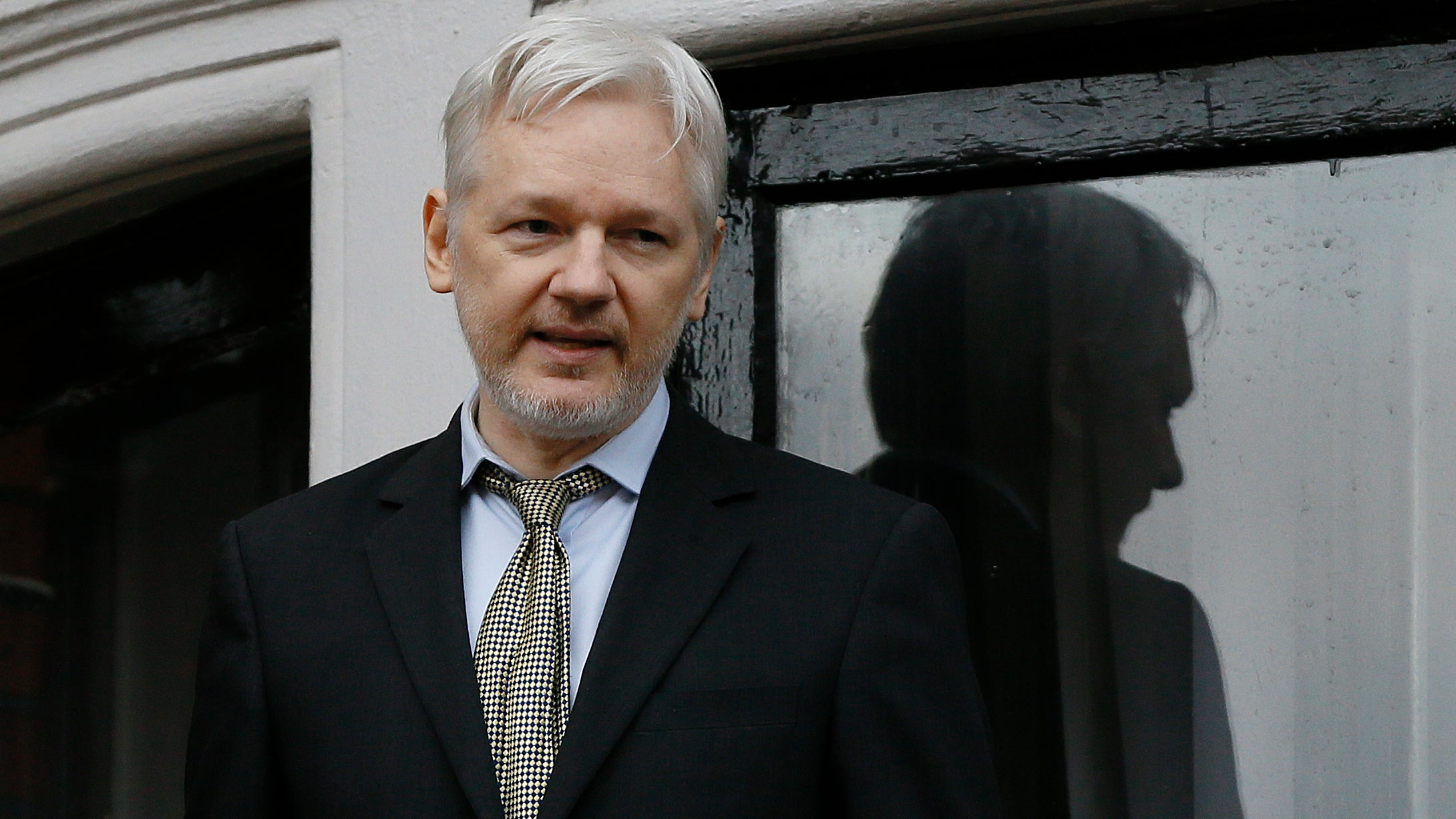 Julian Assange Tries To Save Net Neutrality With Rambling Appeal To Trump's Paranoia
