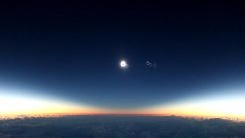 Watching a Solar Eclipse From a Plane Is Wonderfully Apocalyptic