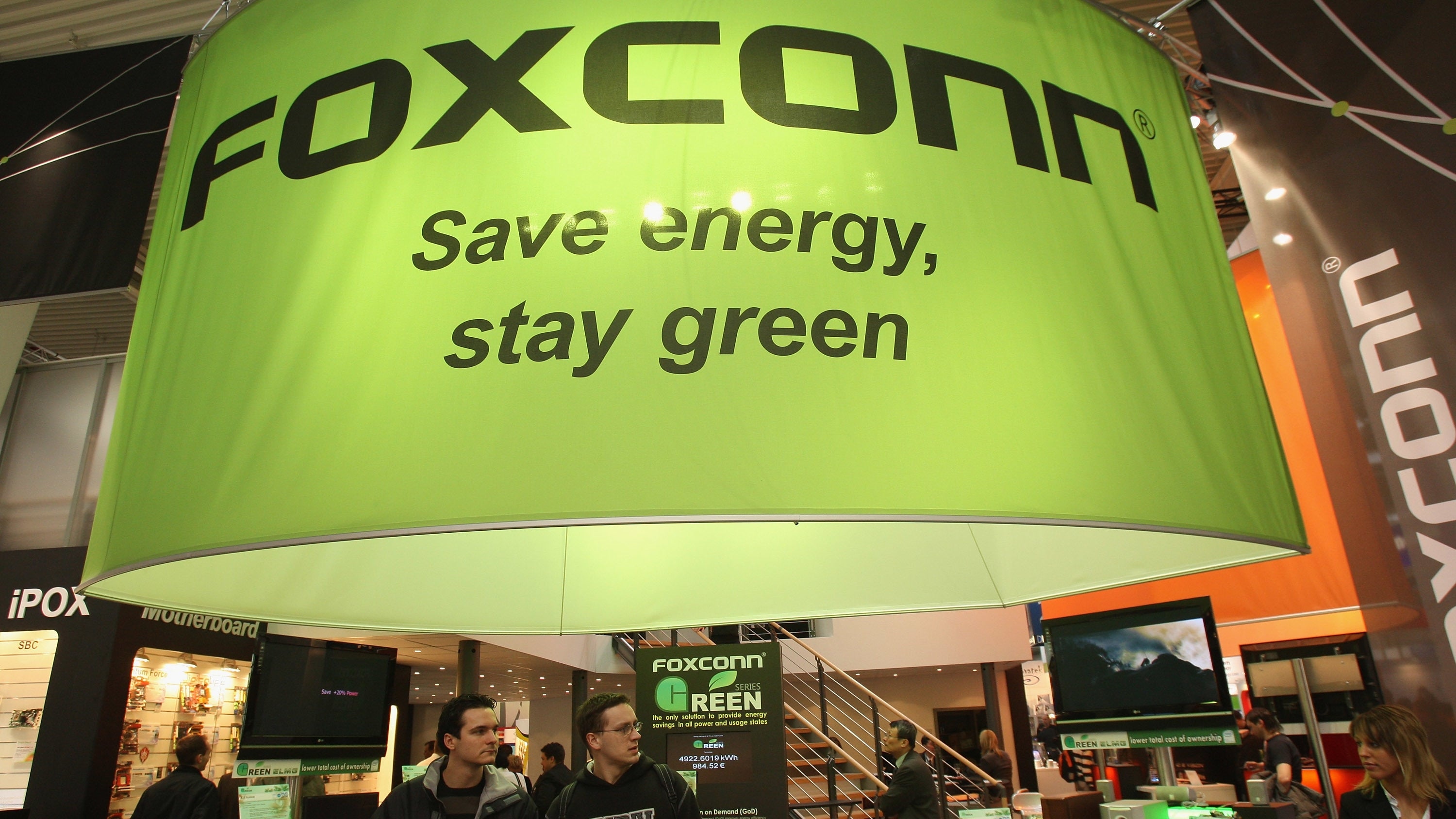 Foxconn Will Drain 26.5 Megalitres Of Water Per Day From Lake Michigan To Make LCD Screens