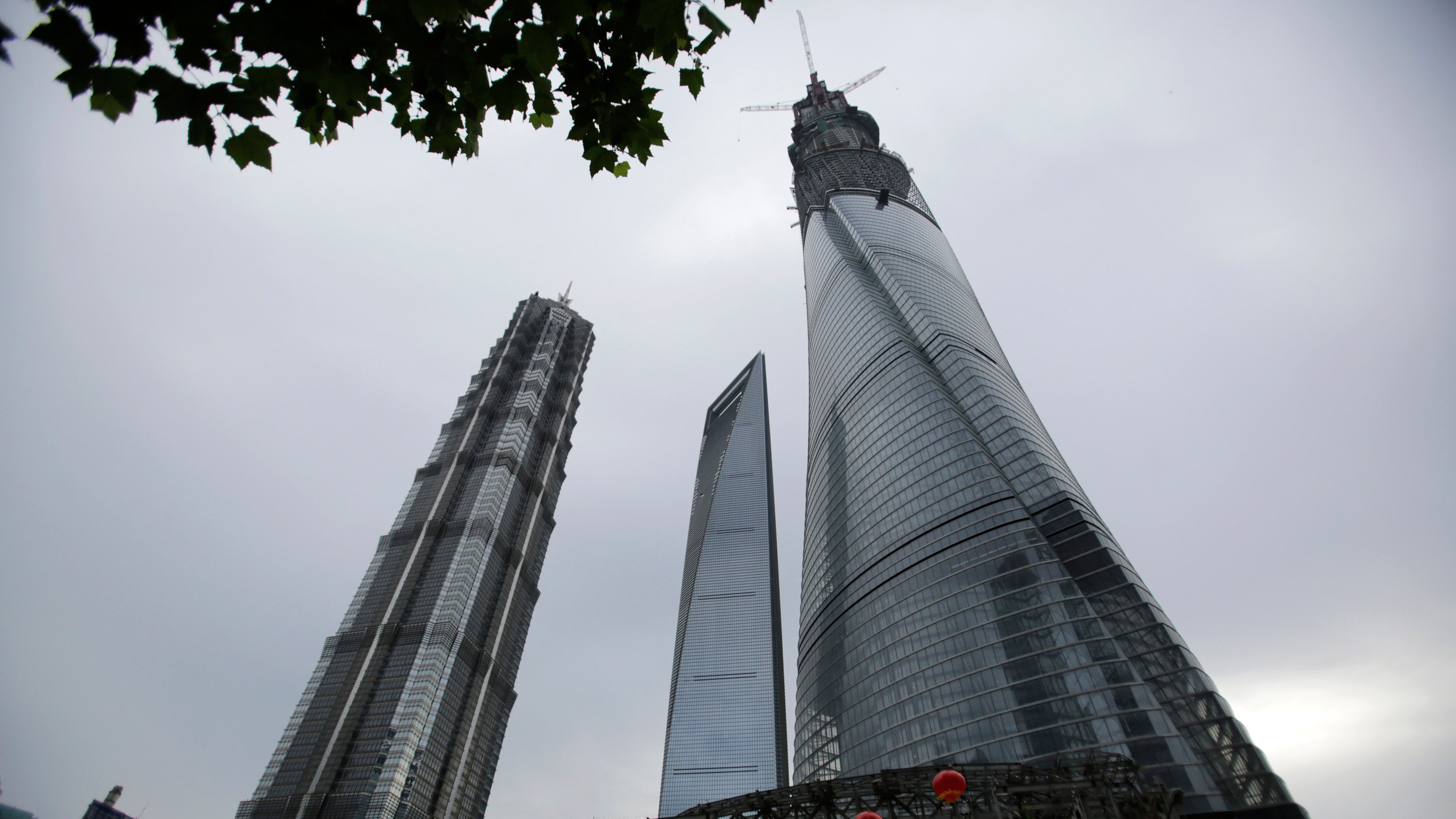 How A 121-Storey Building Uses A Giant Magnet To Prevent Swaying
